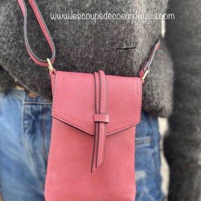 Sacs,foulards,bijoux.... wwwlescoupsdecoeurdelysia.com #sacamain #pochette #bijouxfemme #bijouxhomme #foulard