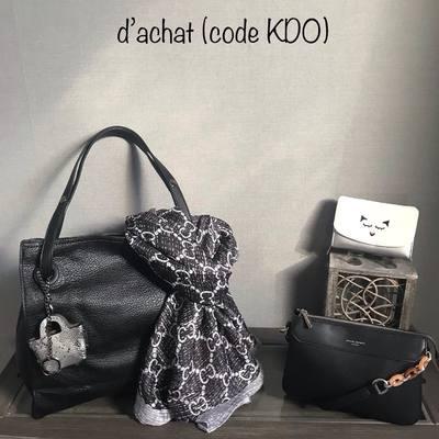 N'attendez pas la dernière minute pour vos cadeaux de Noël 🤶 profitez de 10 € de remise dès 50€ d'achat (code KDO). Livraison gratuite. www.lescoupsdecoeurdelysia.com #cadeaunoel #sacs #portefeuille #foulardsoie #echarpe