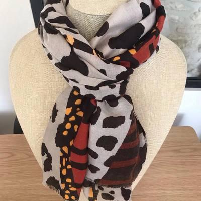 Écharpes, étoles, foulards, accessoires de mode.... www.lescoupsdecoeurdelysia.com #echarpe #etole  #foulard #accessoires #portefeuille #leopards