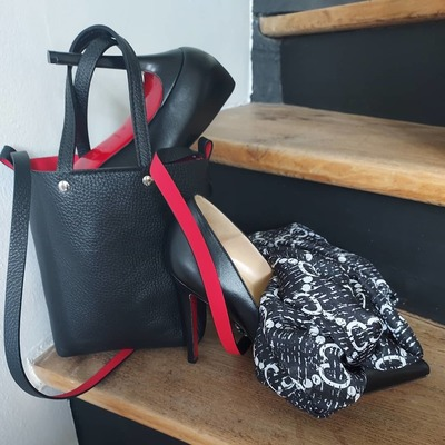Sacs, foulards, bijoux, découvrez notre collection. Livraison gratuite. www.lescoupsdecoeurdelysia.com #sac #foulards #foulardsoie #bijouxfantaisie