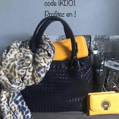 Faites vous plaisir et bénéficiez de 10€ de remise à partir de 50€ d'achats. ( code KDO). www.lescoupsdecoeurdelysia.com #portefeuille  #cadeaunoel  #sacamain  #echarpe  #hiver