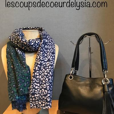 Venez voir nos sacs, foulards, écharpes....livraison gratuite. lescoupsdecoeurdelysia.com